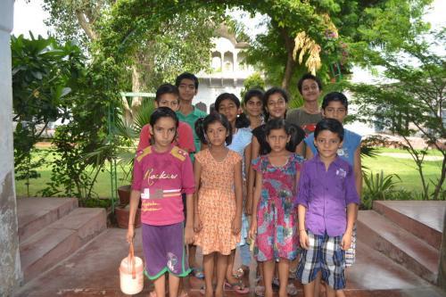 Children & Teachers (21)
